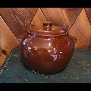 VTG Watt Ovenware Bean crock in chocolate brown
